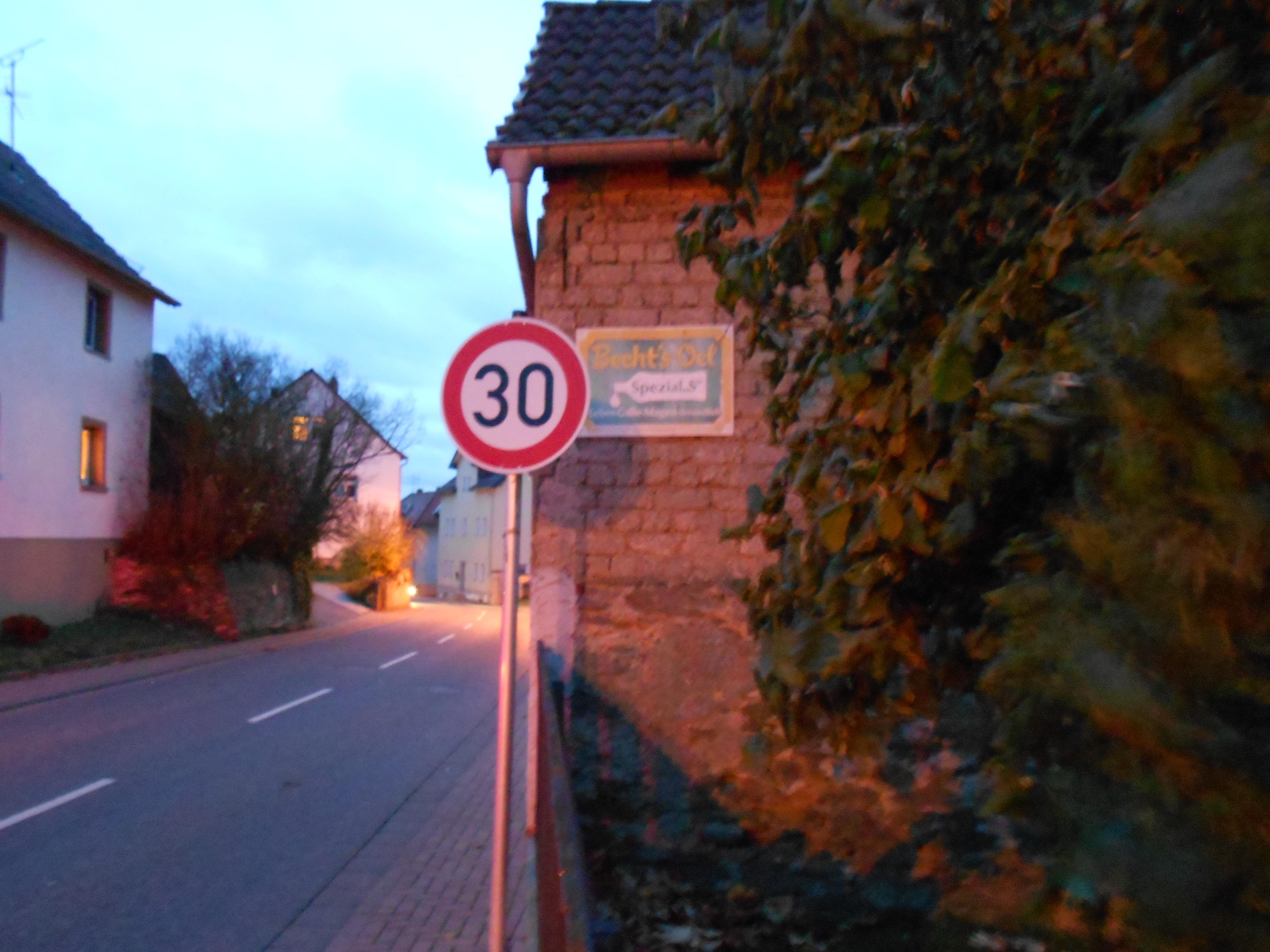 #76 Kubach-Weilburg, Hauptstrasse K411